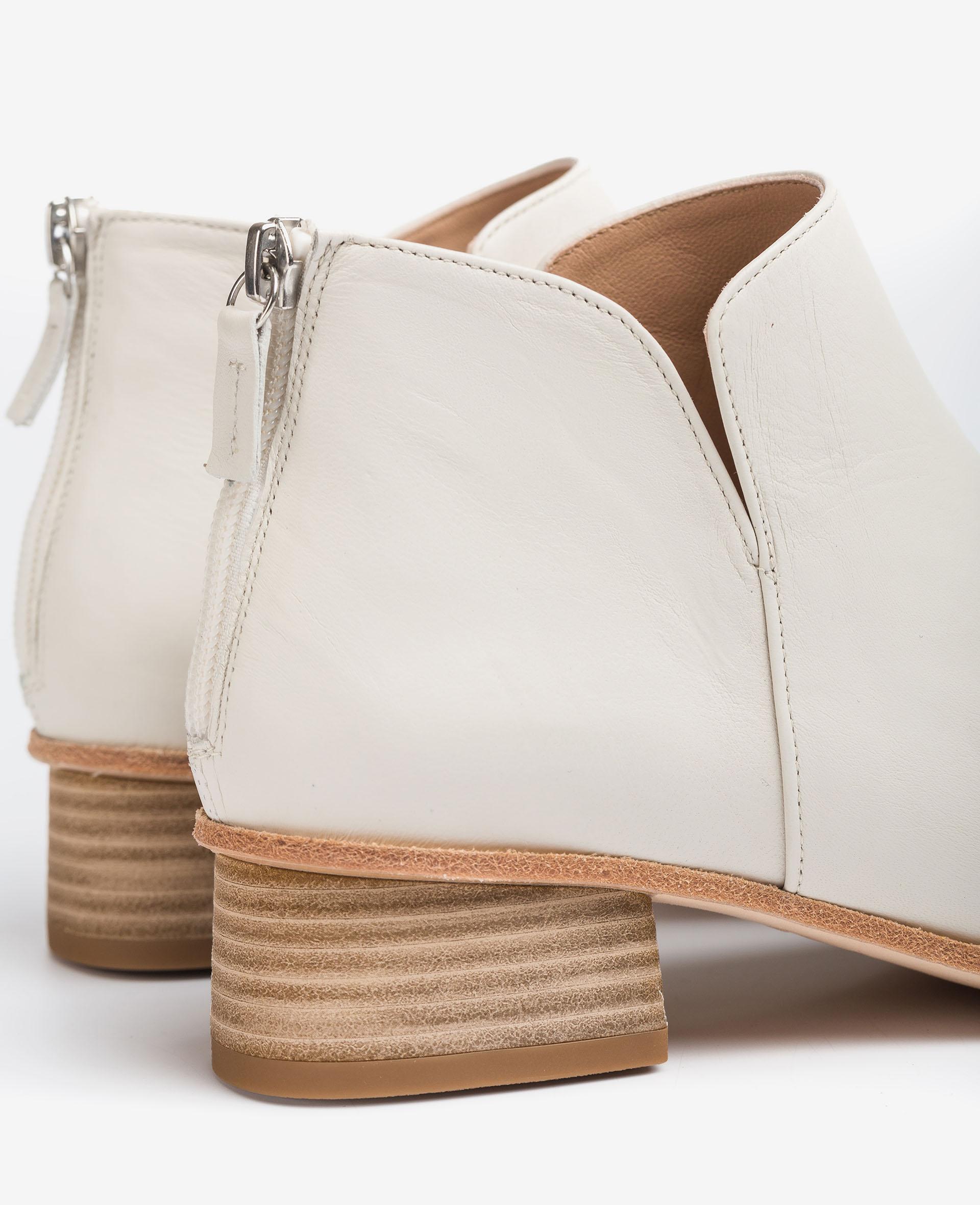 UNISA Ankle-Boots aus Leder mit seitlichen Ausschnitten. EJEME_VU 5