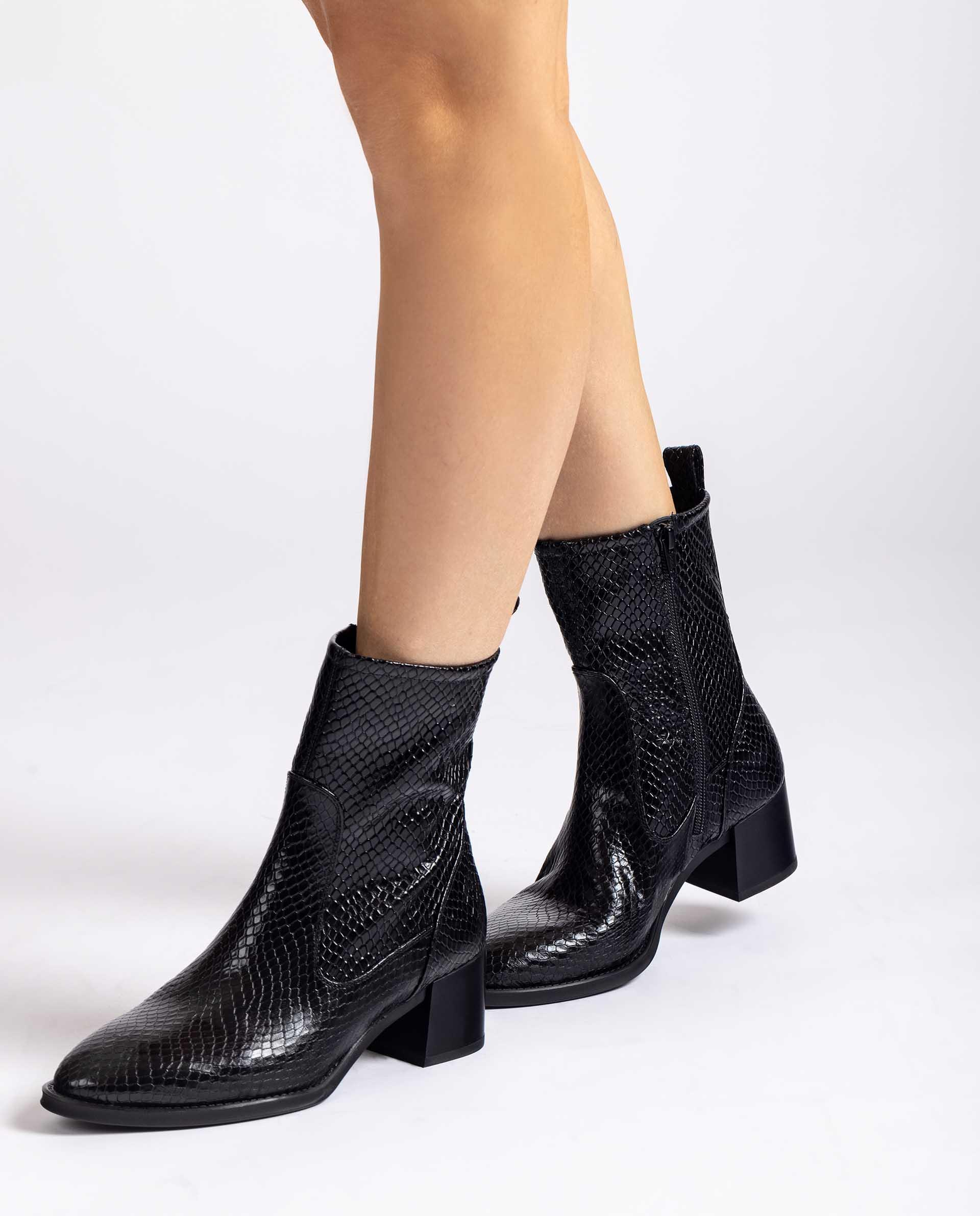 UNISA Stiefeletten im Cowboy-Stil aus geprägtem Leder MUNAY_DJA 5