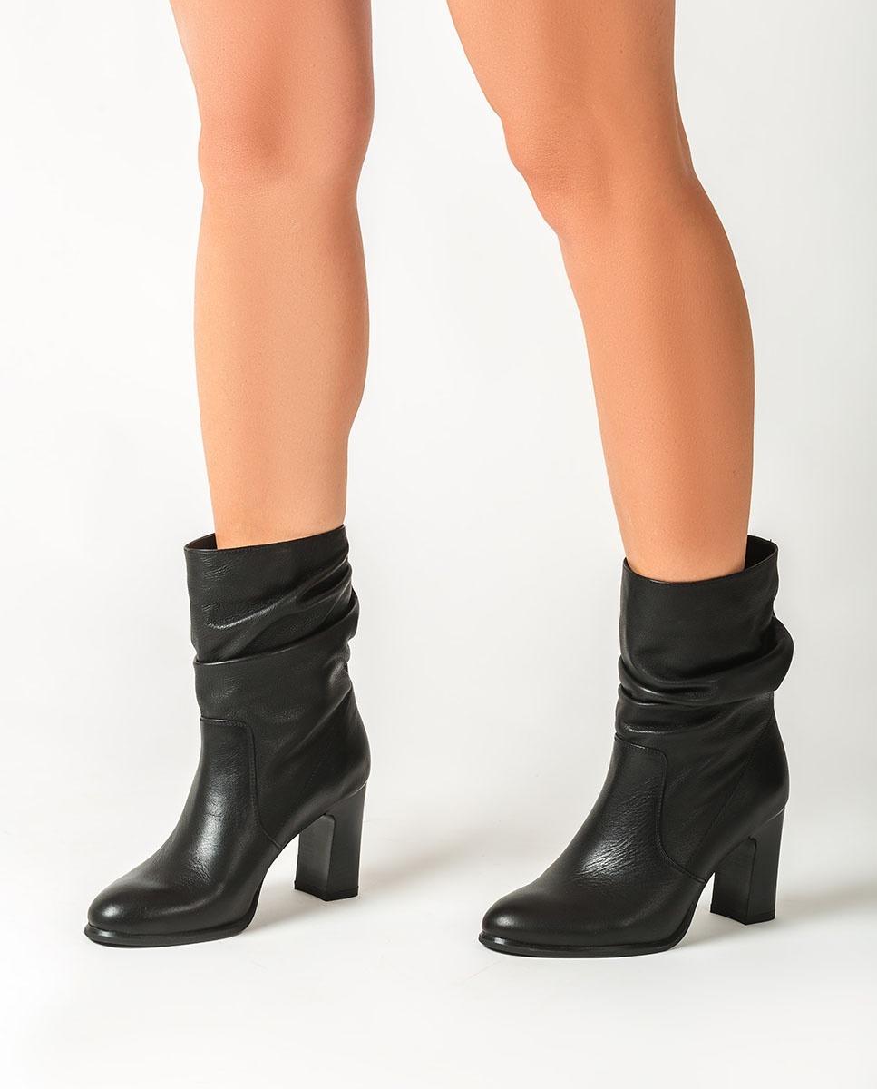 UNISA Schwarze Stiefeletten mit geknautschtem Schaft ULANO_F20_CRE black 5