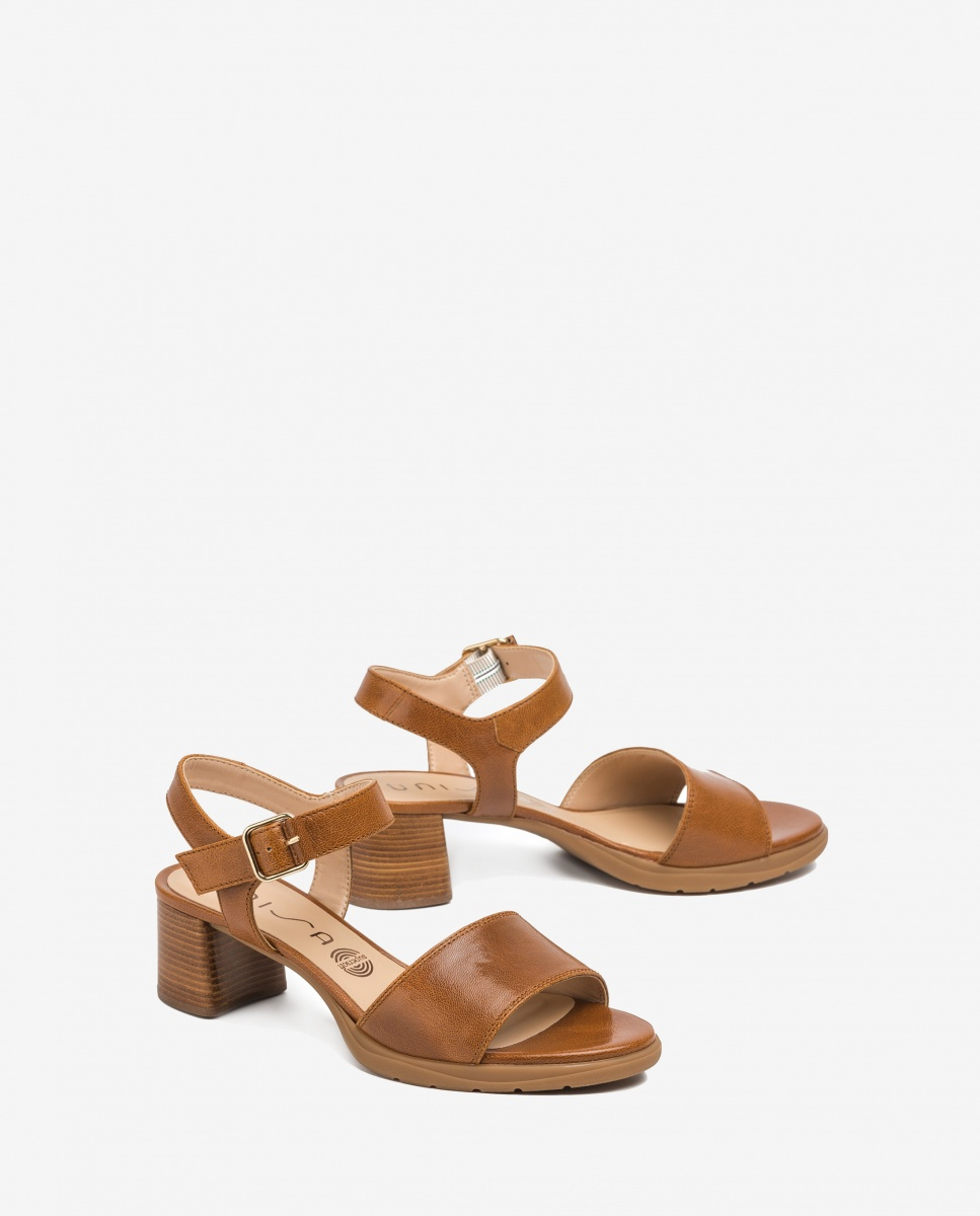 UNISA Braune Sandaletten mit Absatz in Holz-Optik GODOY_GCR saddle 5