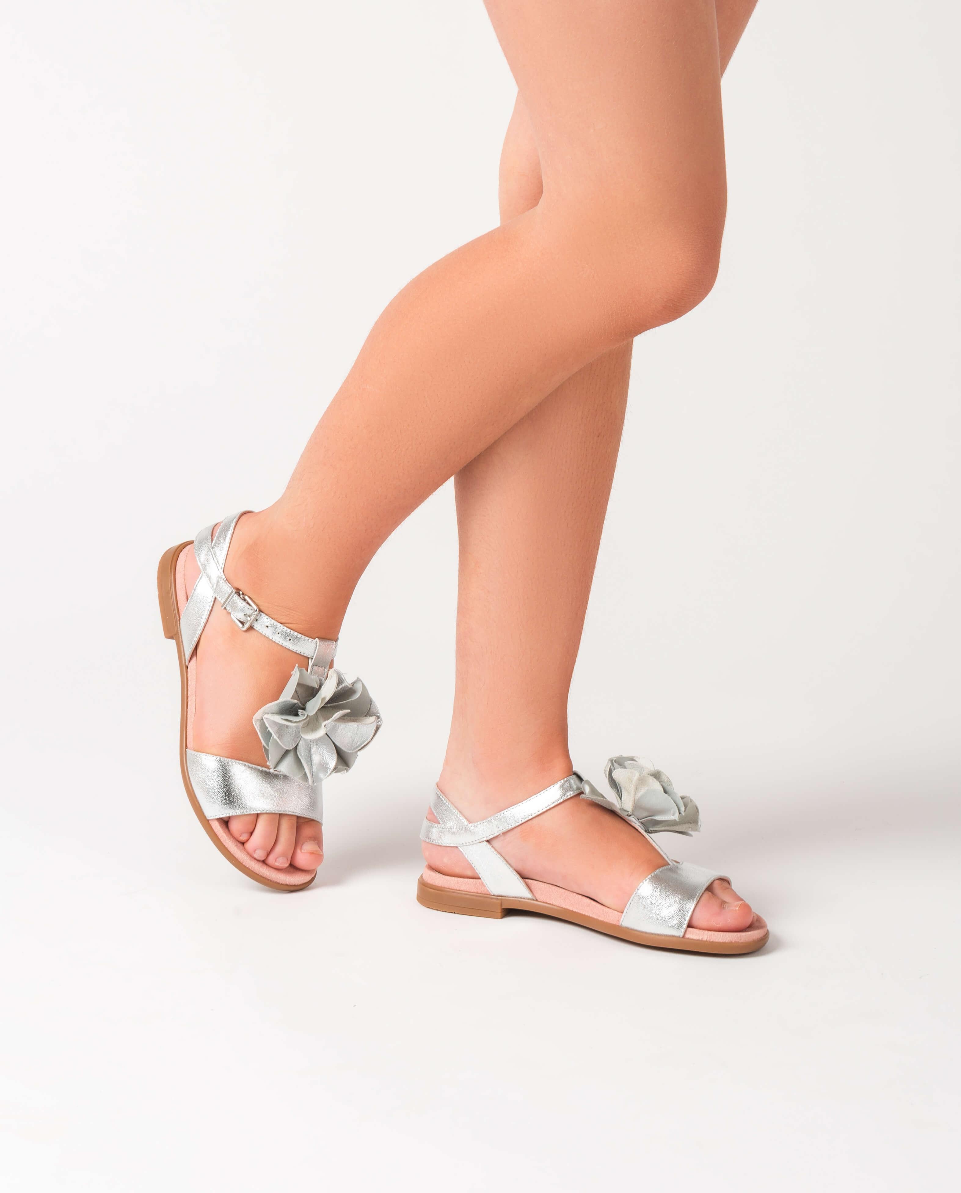 UNISA Mädchensandalen mit Metallic-Effekt und Blüte LUCK_C_LMT silver 5