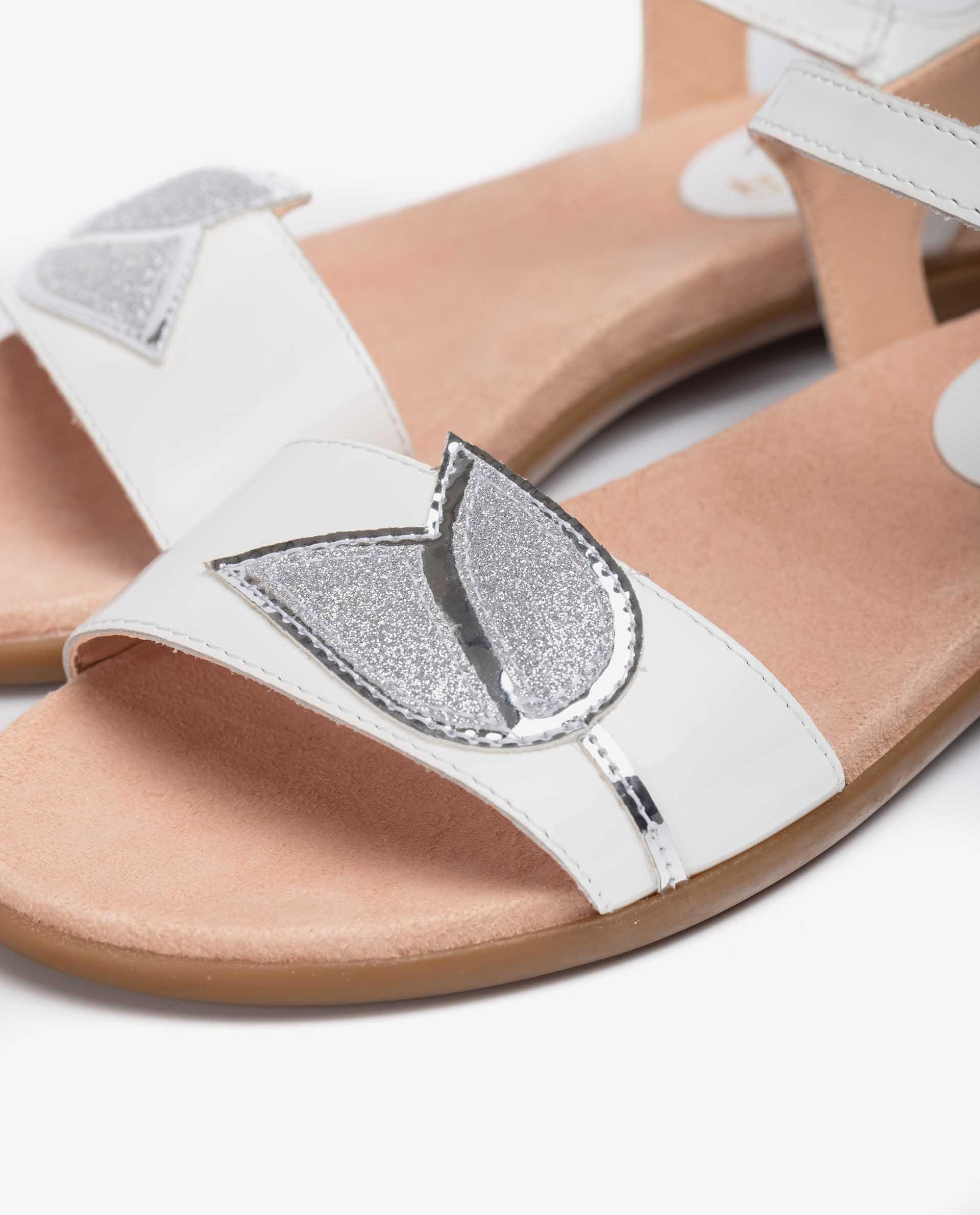 UNISA Patent sandals with flower detail LUTFI_PA 5