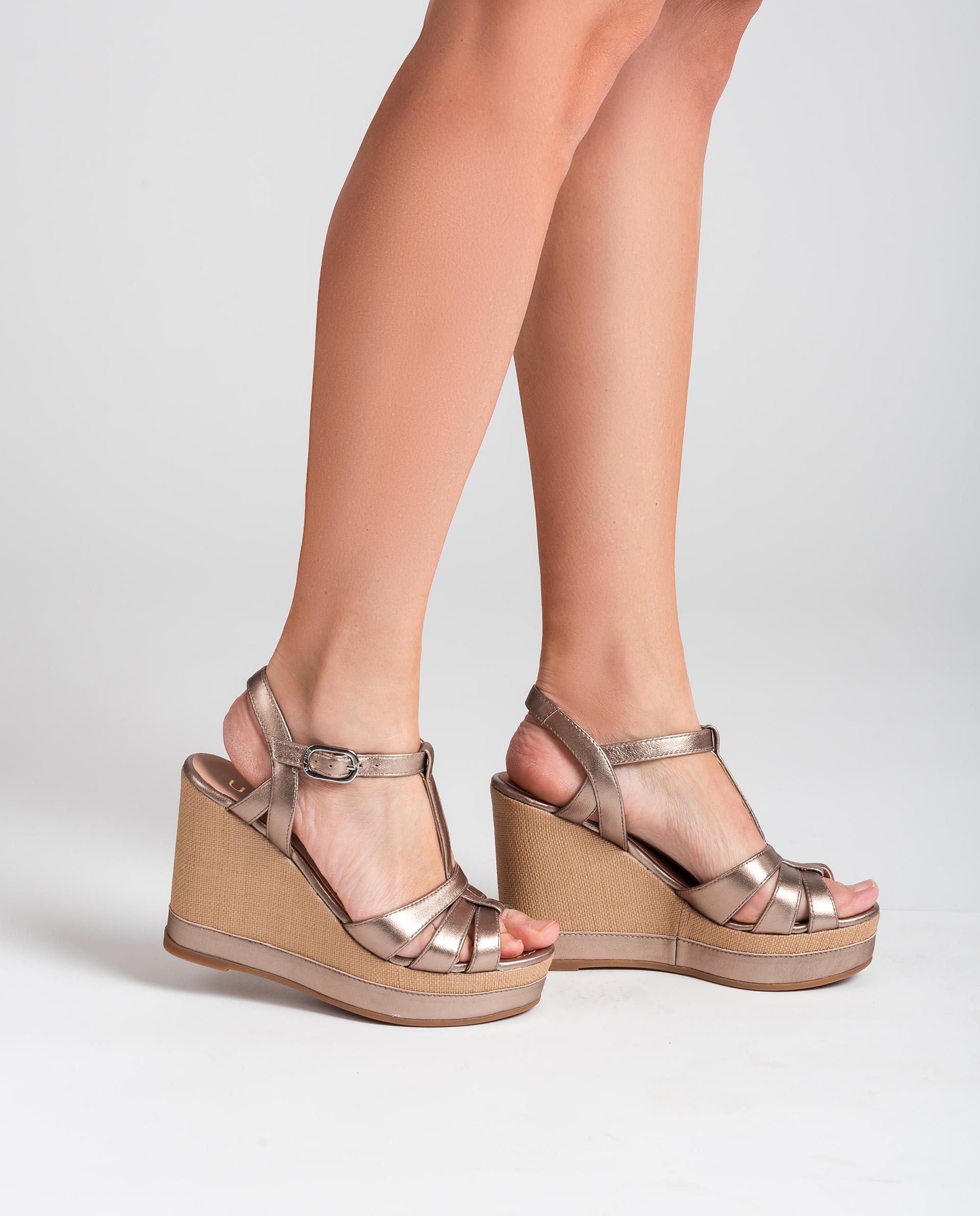 UNISA T-Strap-Sandalen aus Leder in Metallic-Optik MANACOR_LMT 5