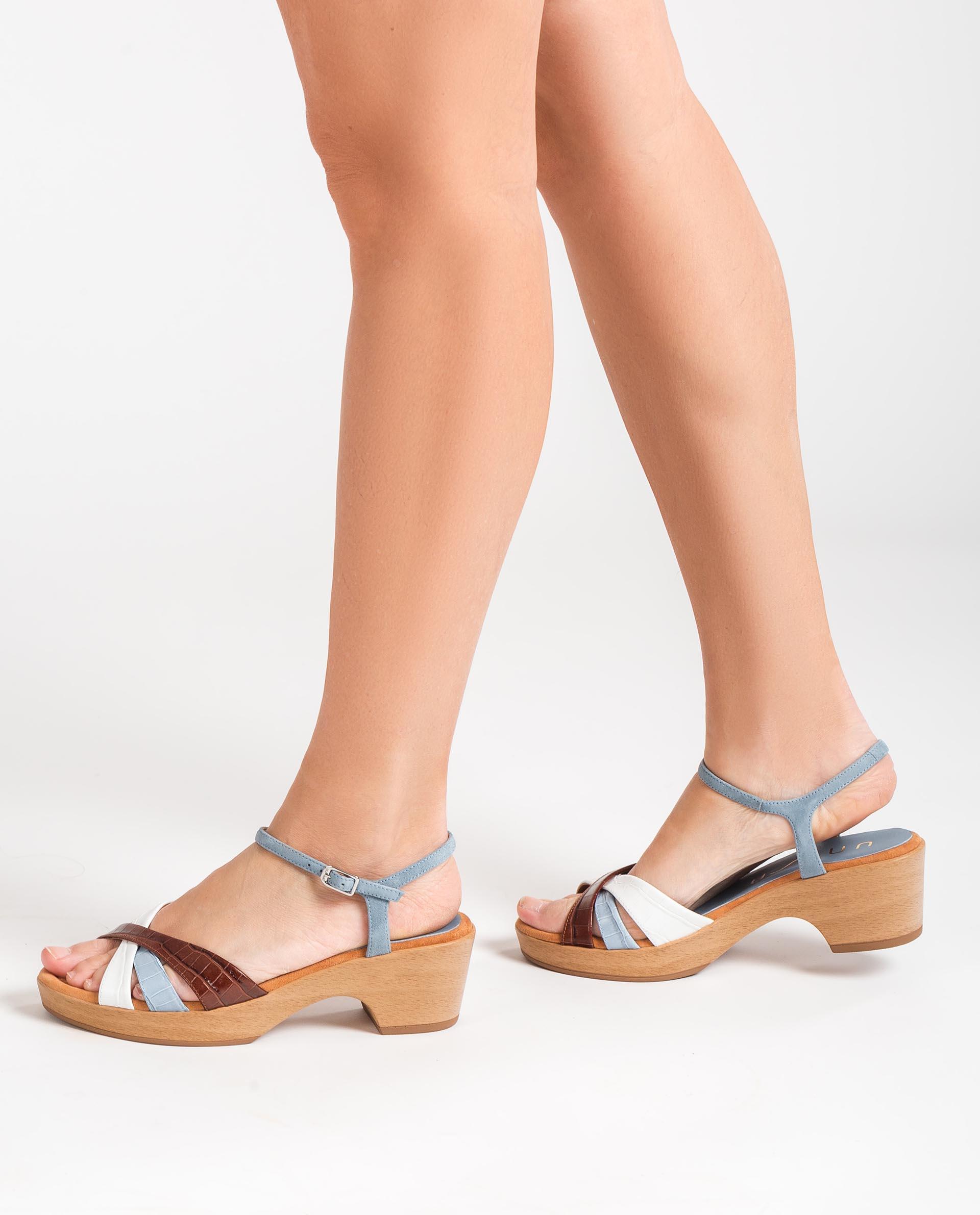 UNISA Kontrastreiche Sandalen aus Kroko und Wildleder INQUI_LAU_KS 5