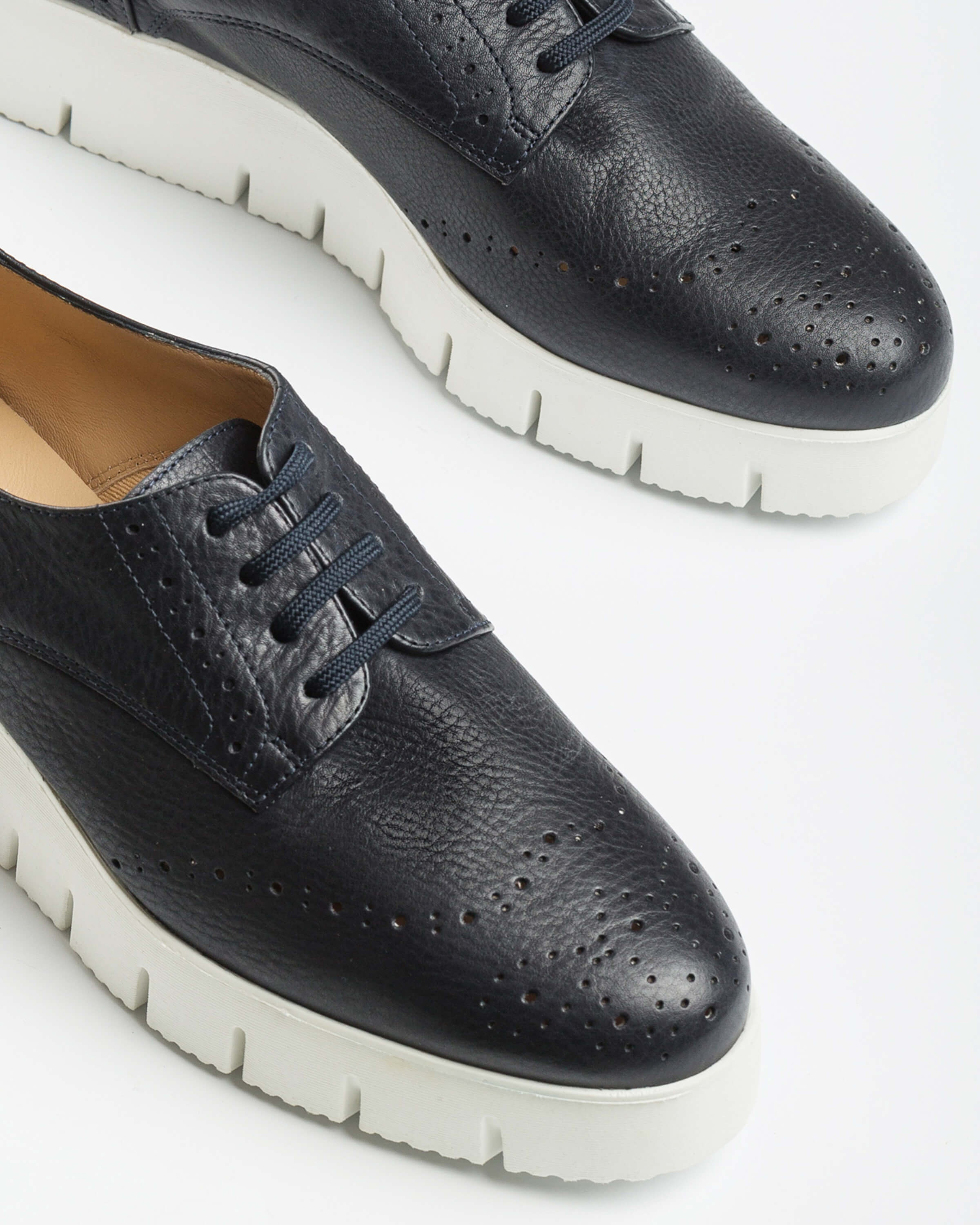 UNISA Perforated leather derby shoes with platform FERRAZ_STY ocean 2