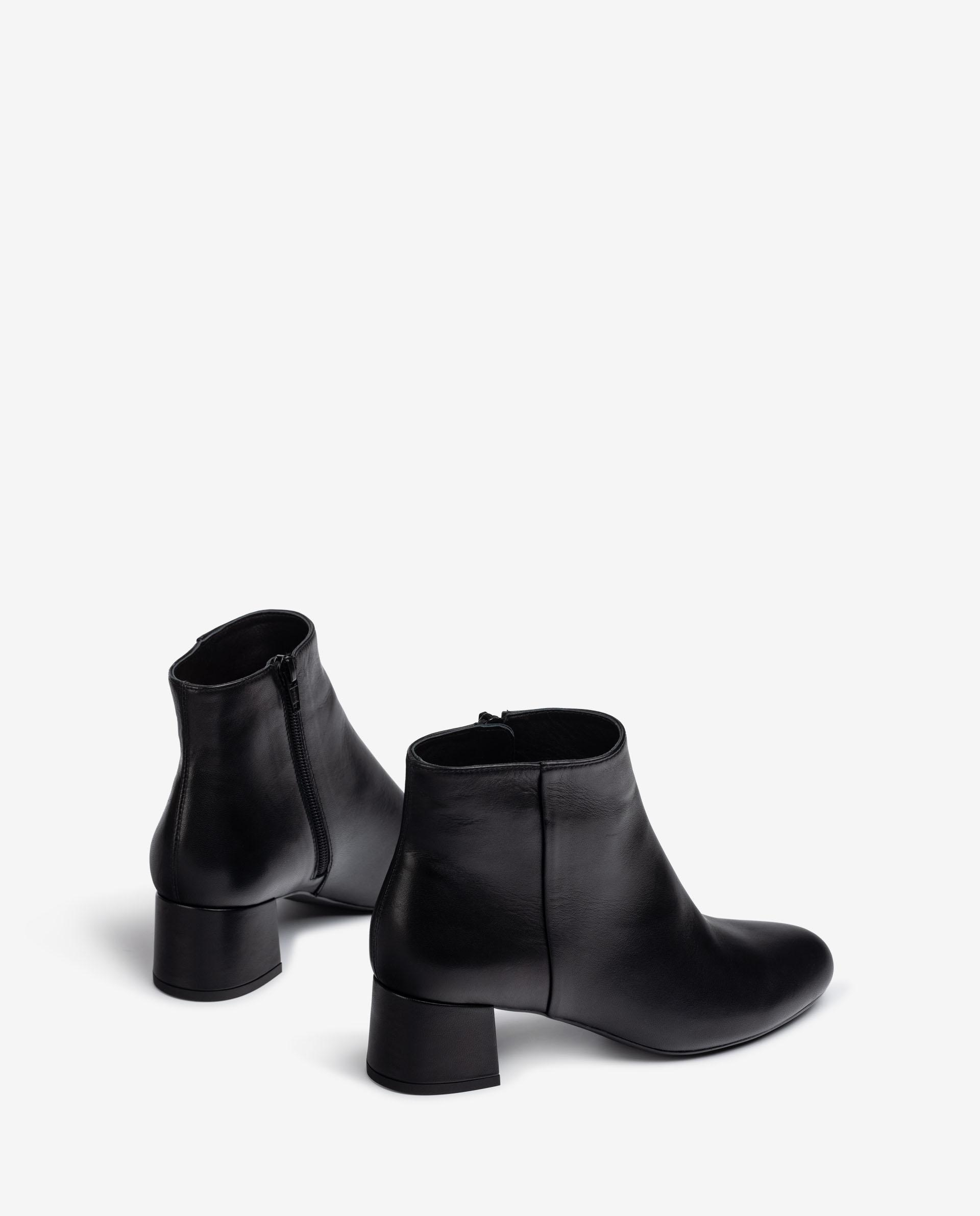 UNISA Leather ankle boots with back zip  LOLI_F21_VU 2