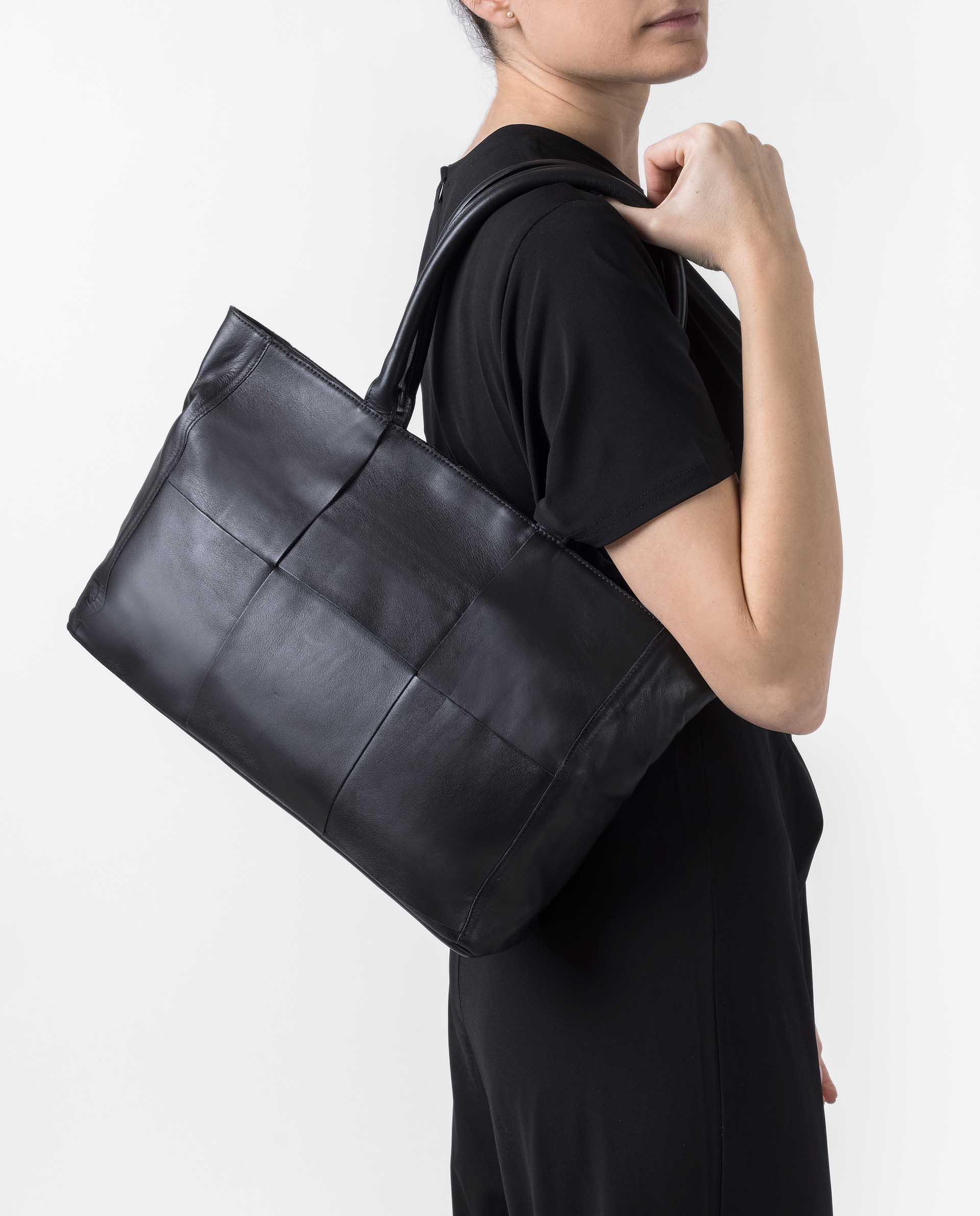 UNISA Medium size leather bag ZNIOBE_NT 2