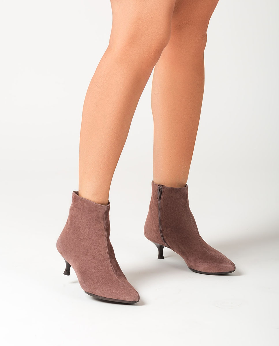 UNISA Pointy toe kid suede ankle boots JEISI_KS seal 2