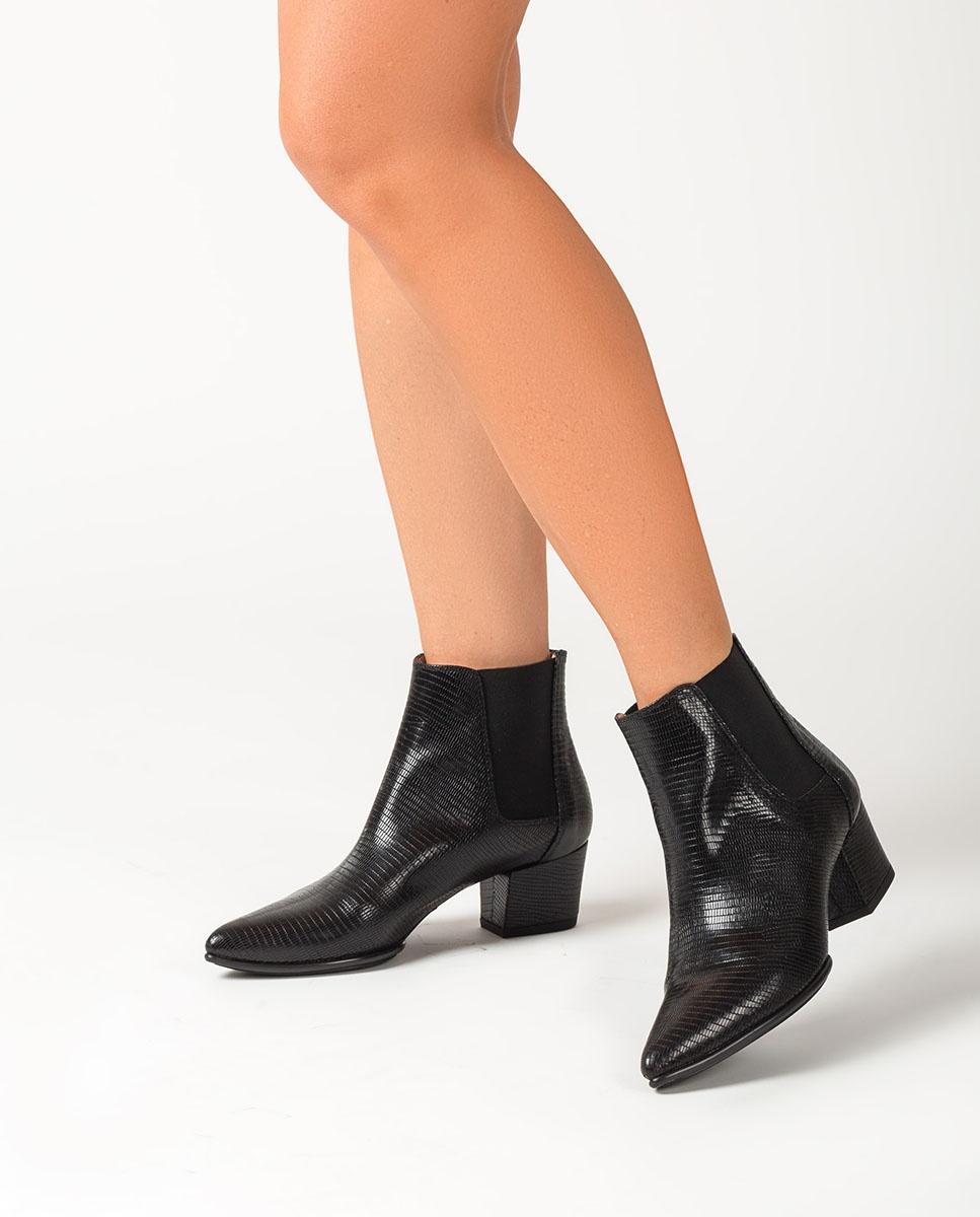 UNISA Black engraved Chelsea ankle boots JUANIN_BTJ black 2