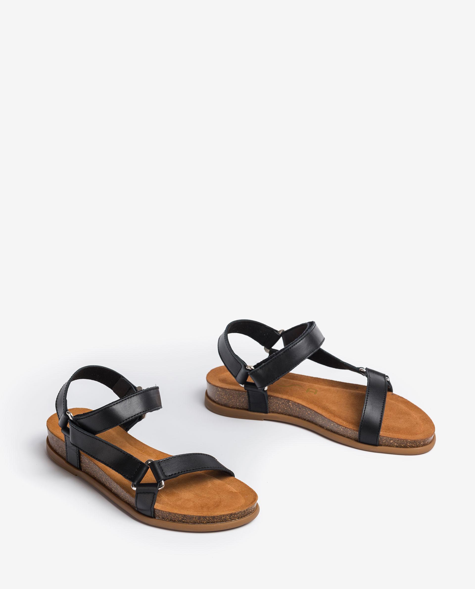 UNISA Leather sandals embellished with metallic triangle COLIRO_RAN 2