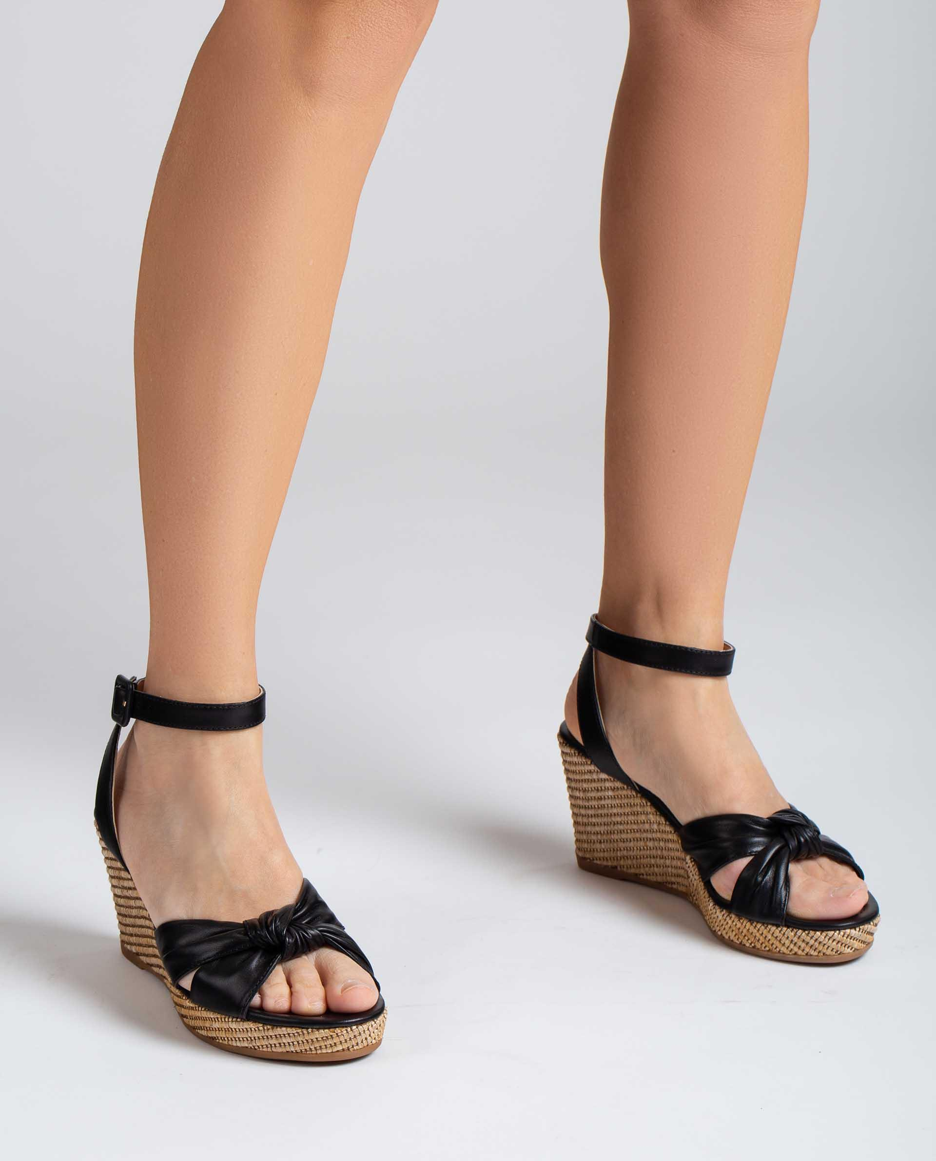 UNISA Leather sandals with straps tied up in a knot LAZKAO_NS 2