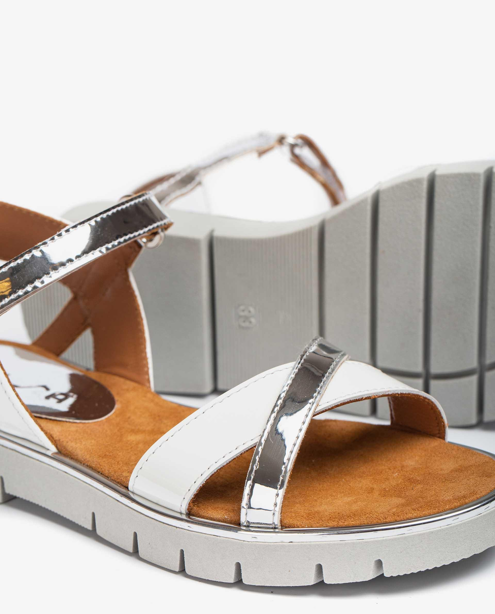 UNISA Little girl´s sandals in patent leather and mirror effect fabric NEVIN_SP_PA 2