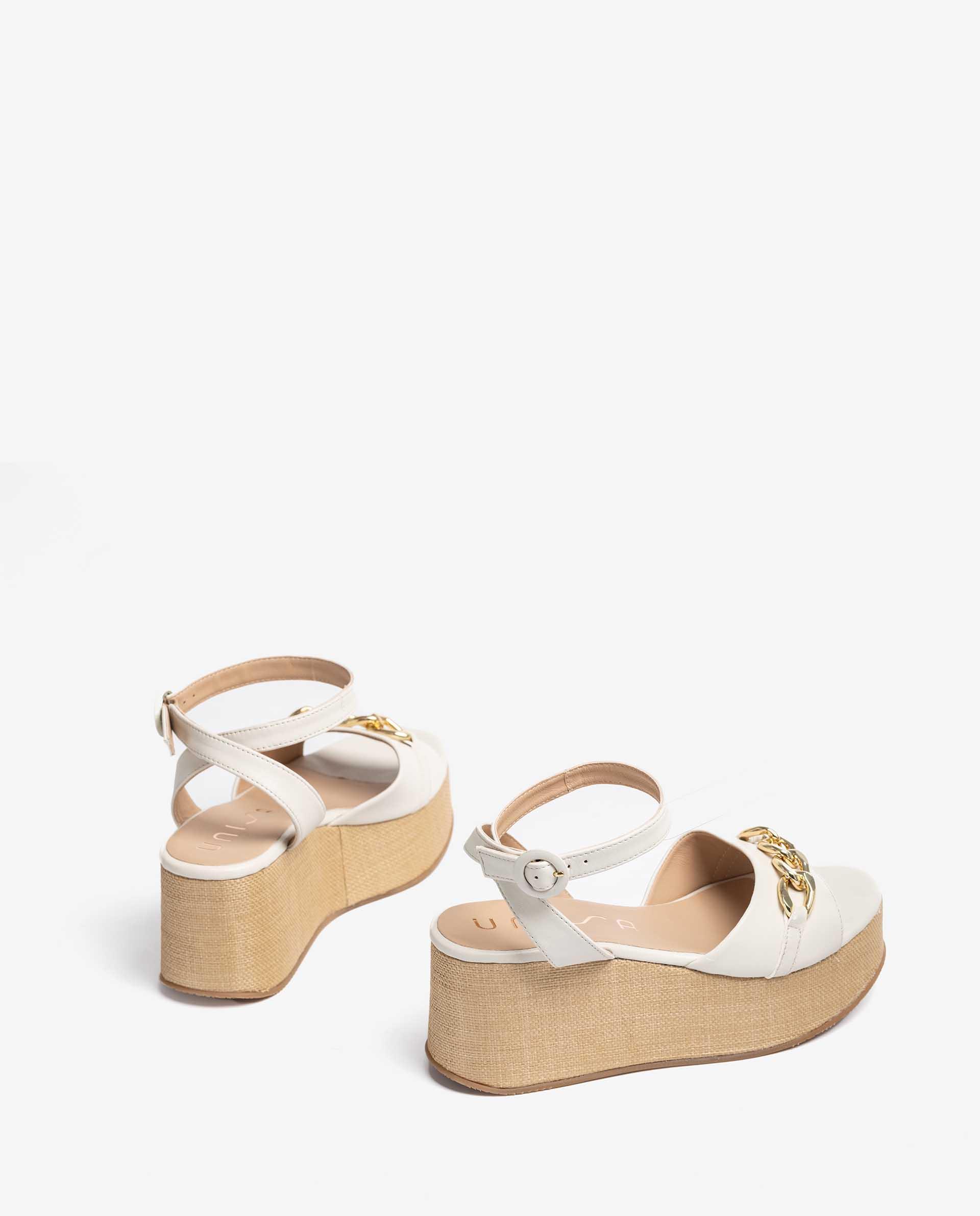 UNISA Raffia sandals with chain detail. LIBEYA_VU 2