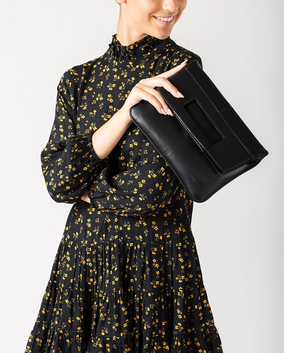 UNISA Folded flap closure handbag. ZKAY_NT black 2