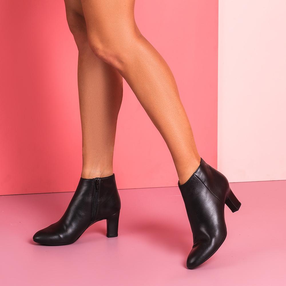 UNISA Leather heeled shooties MUSAKA_NA black 2