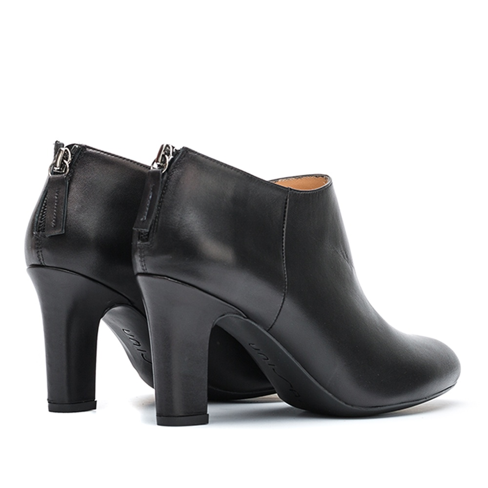 UNISA Black leather heeled shooties UCHI_NA black 2