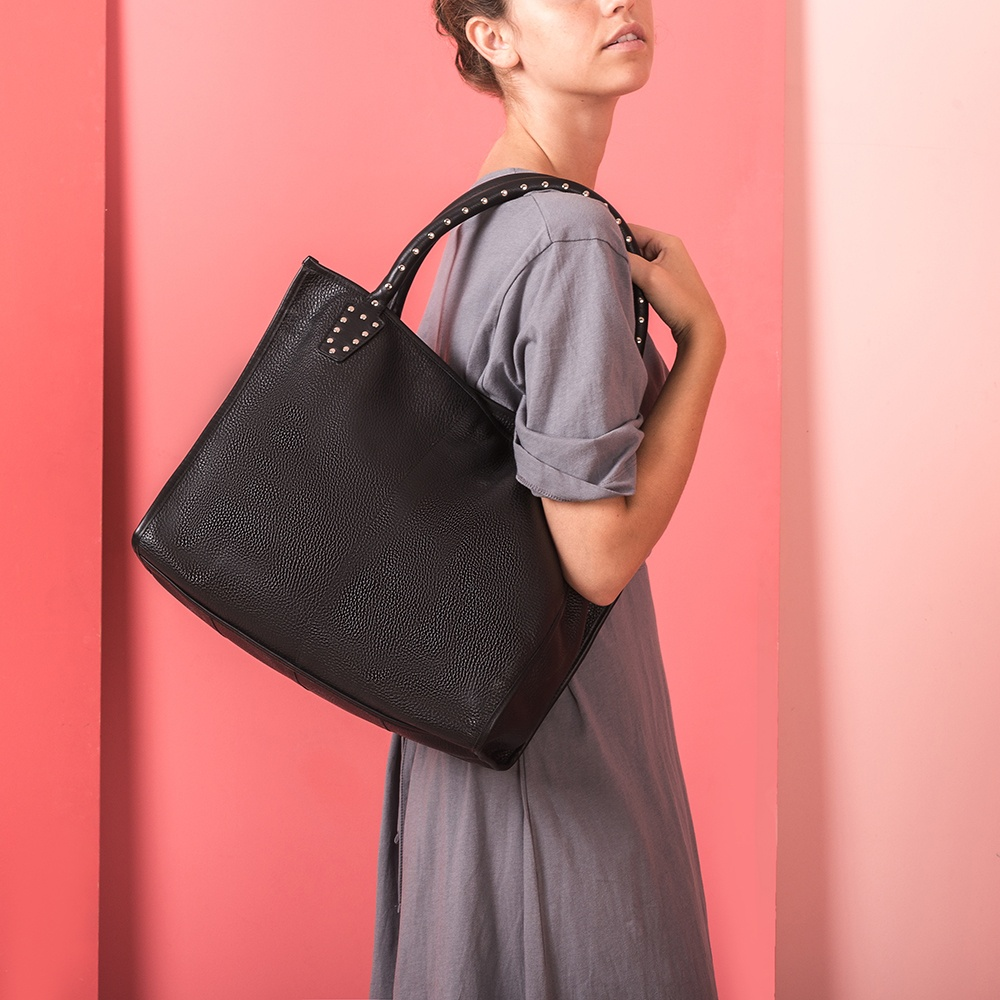 UNISA Black tote bag with studs ZTRUS_MM_NT black 2