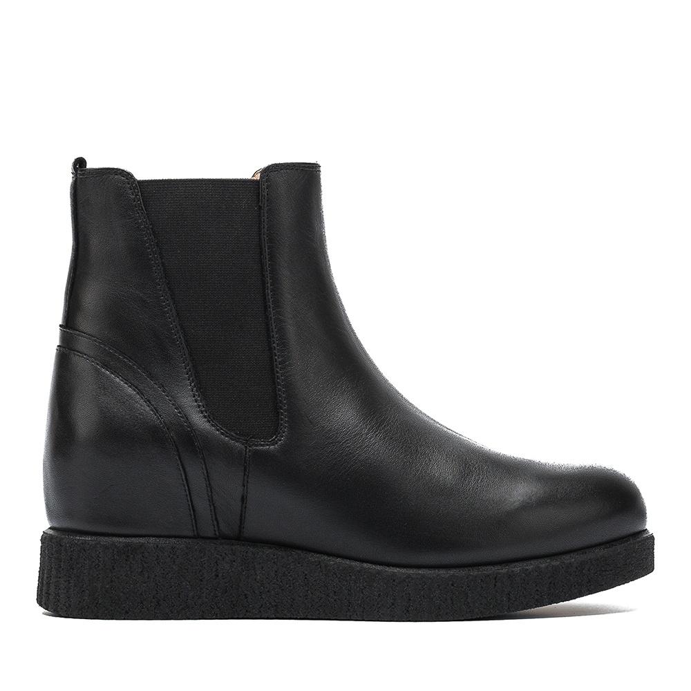 UNISA Leather Chelsea booties CEBIL_F19_NT black 2