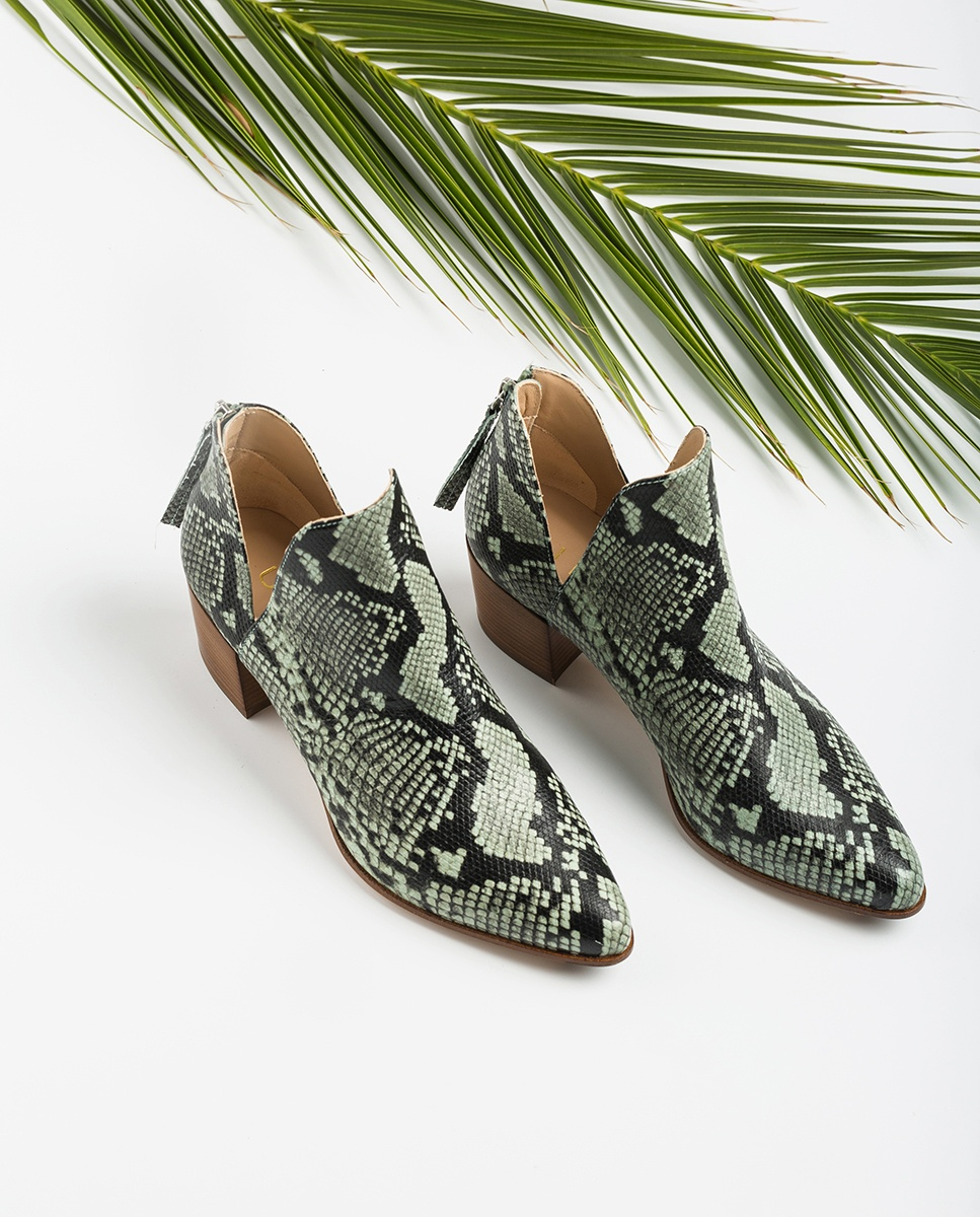 UNISA Snake shooties cut-out sides GALEON_VIP mint 2