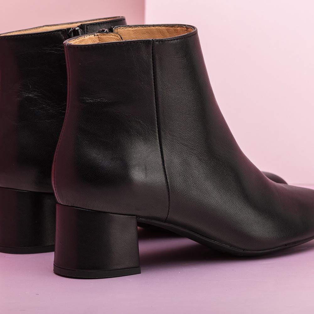 UNISA Black square heel booties LEVI_NA black 2