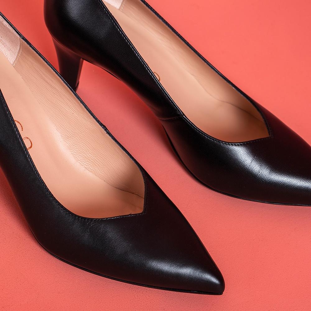 UNISA Leather pumps with wood effect heels KEALA_NA black 2