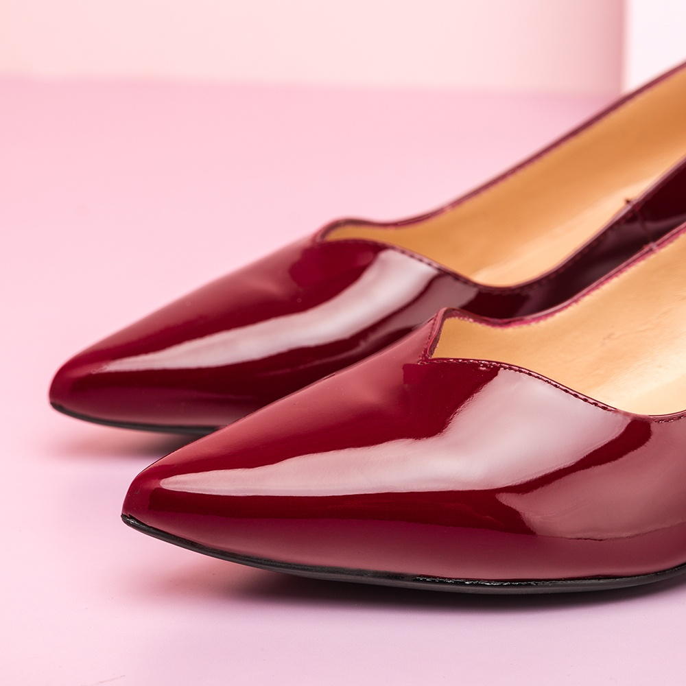 UNISA Patent leather pumps with kitten heel JEDI_PA red velvet 2