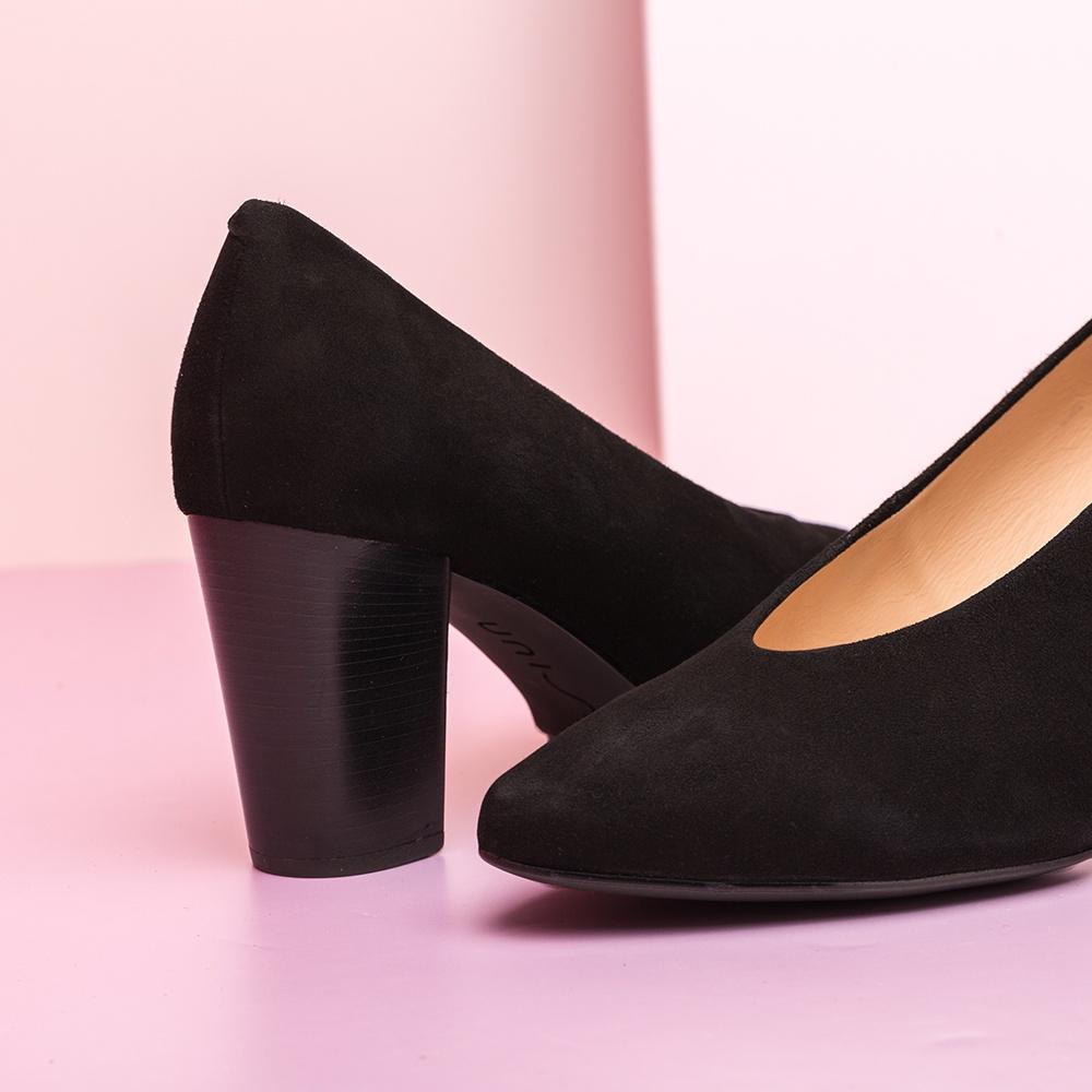 UNISA Kid suede pumps with wood effect high heel NIELS_KS black 2