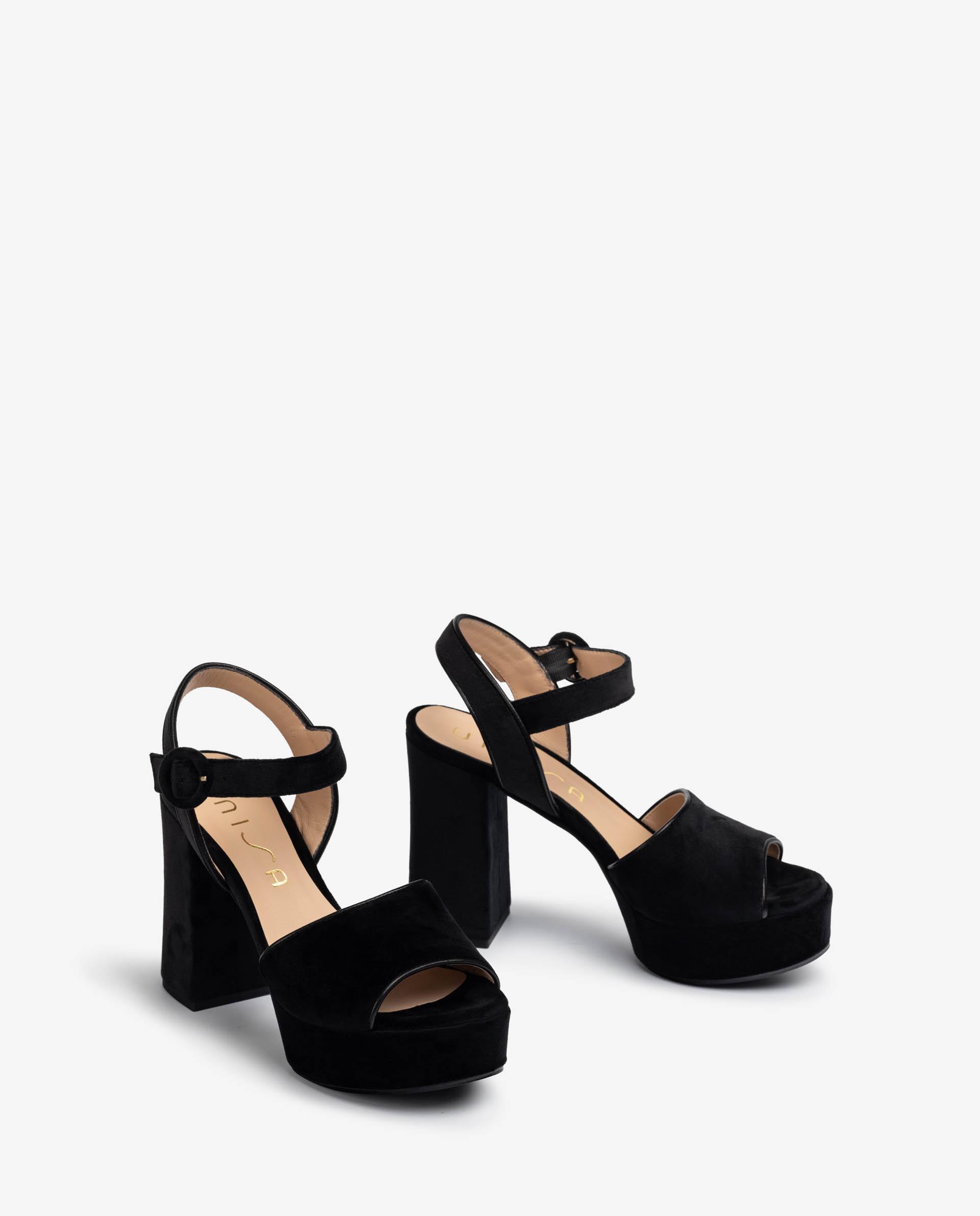 UNISA Sandalia de terciopelo negro  VITEX_COZ_VU