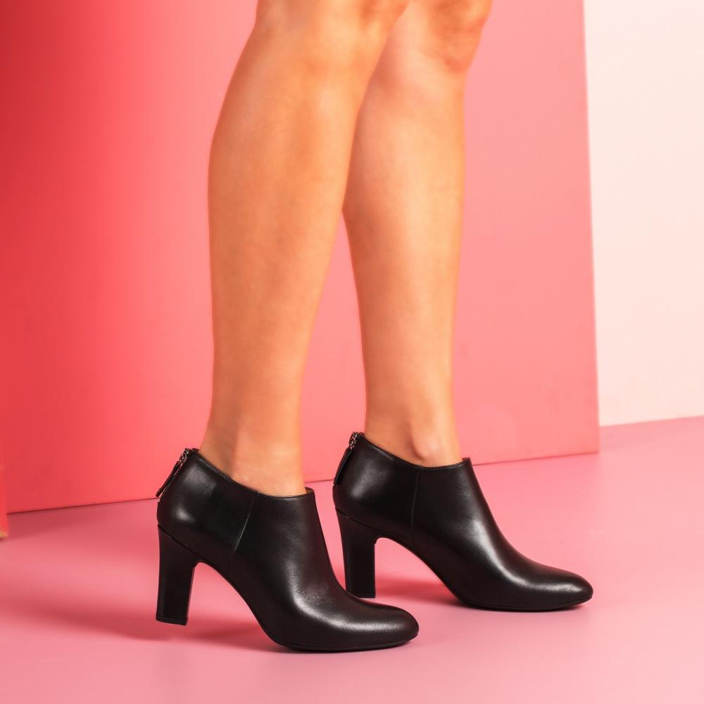 UNISA Low boot noire en cuir avec talon  UCHI_NA black 3