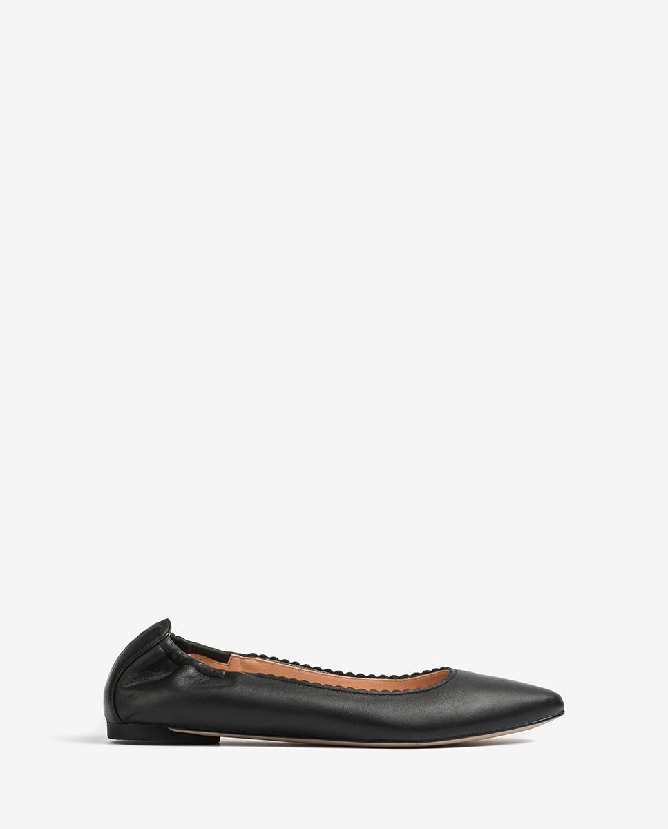 Pointy toe leather ballerinas