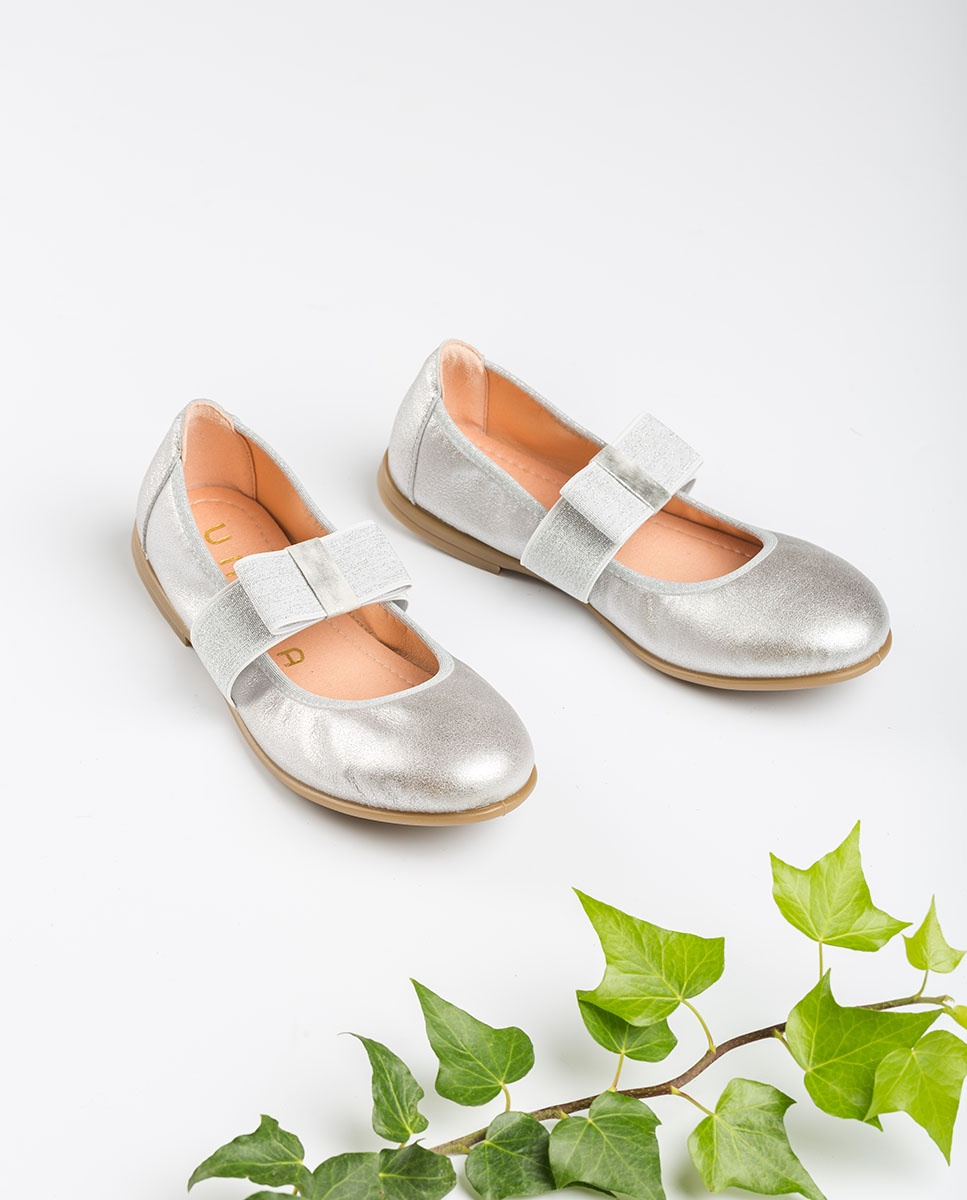 Silver Mary Jane shoes with bow