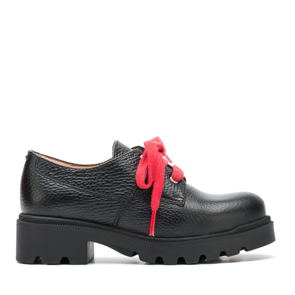 Black blucher with red laces Pune for