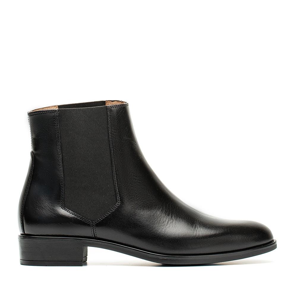 91eb0fa5840 Leather Chelsea booties