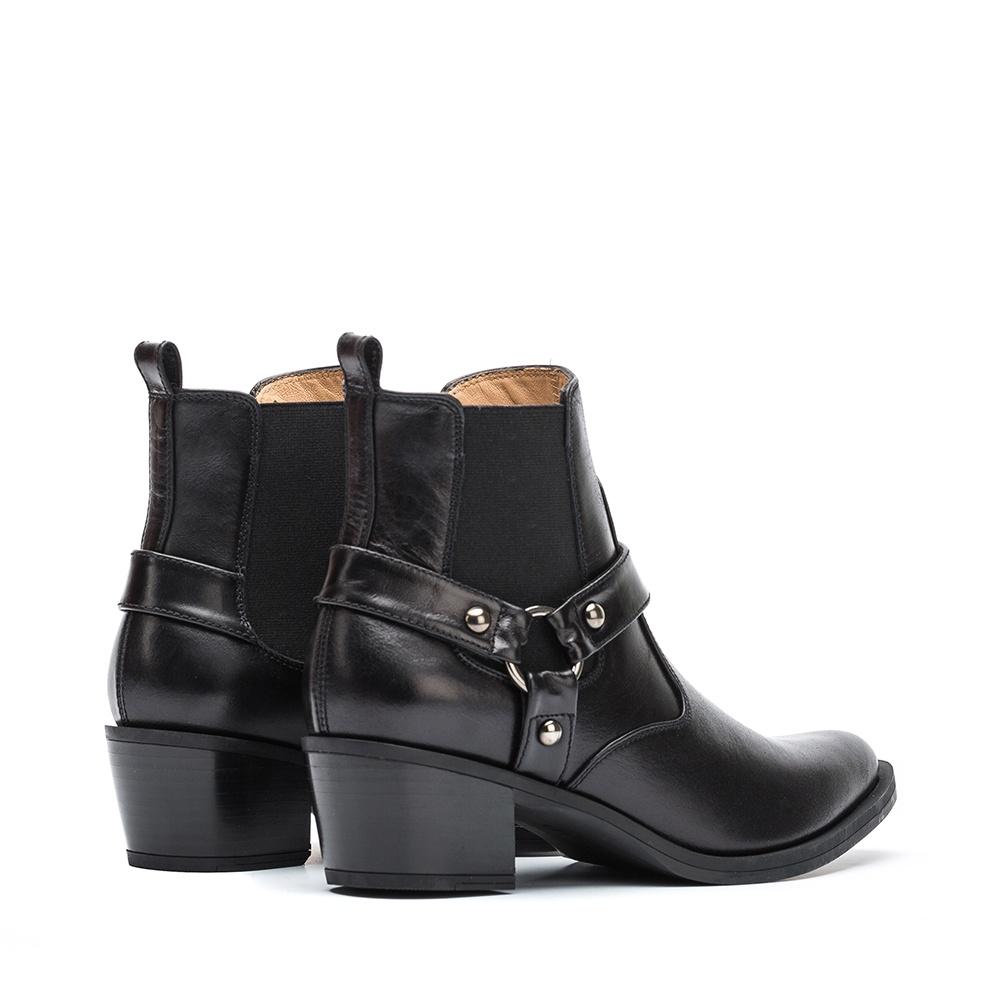 Laarsjes met studs kopen?   BESLIST.nl   Trendy boots met studs