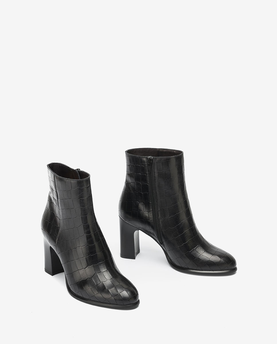 UNISA Black leather ankle boots UGO_F20_MAL black 2