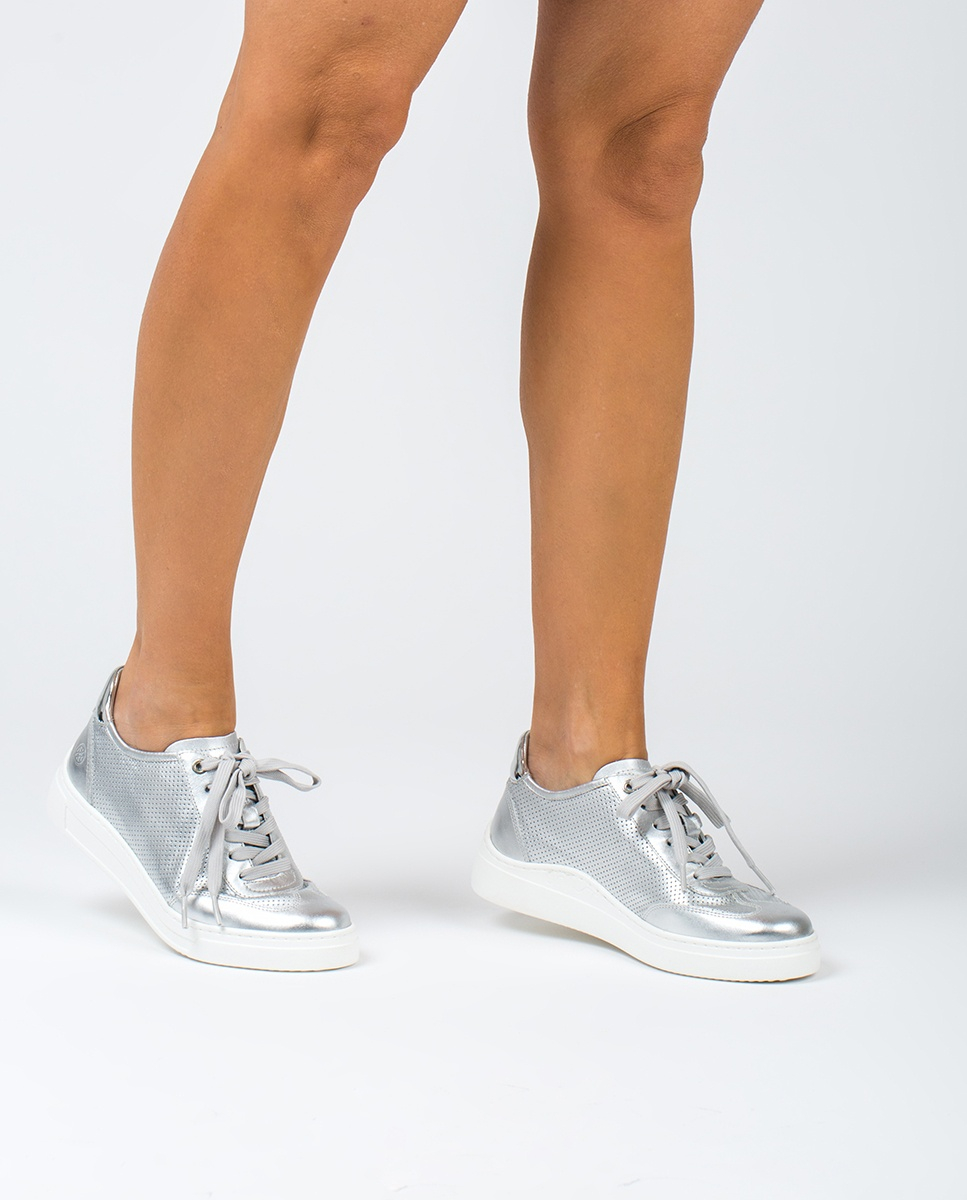 Perforated contrast sneakers