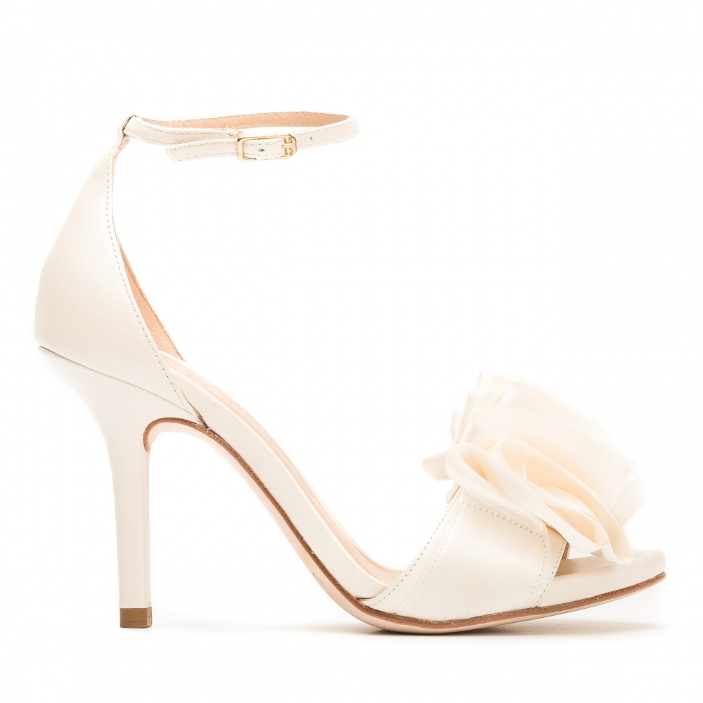 Tienda de Zapatos Online para Mujer y Novia  86e0861a6e0a