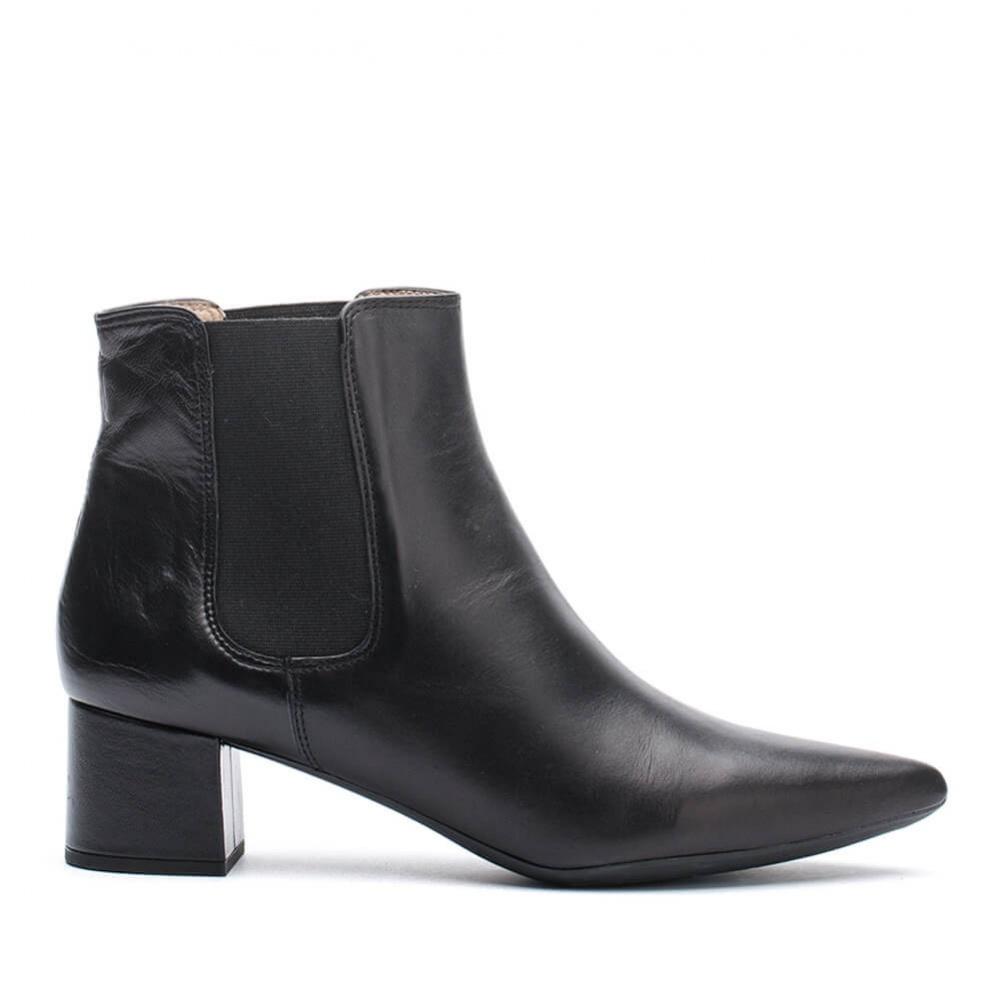 Gril botín negro