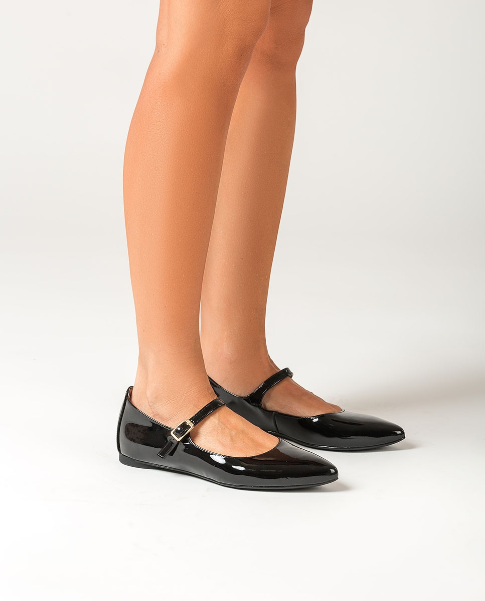 Flat patent leather Mary Jane Shoes