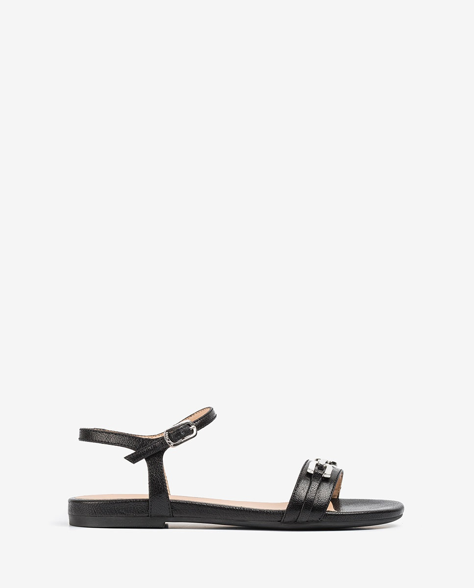 Flache Sandalen aus glänzendem Leder