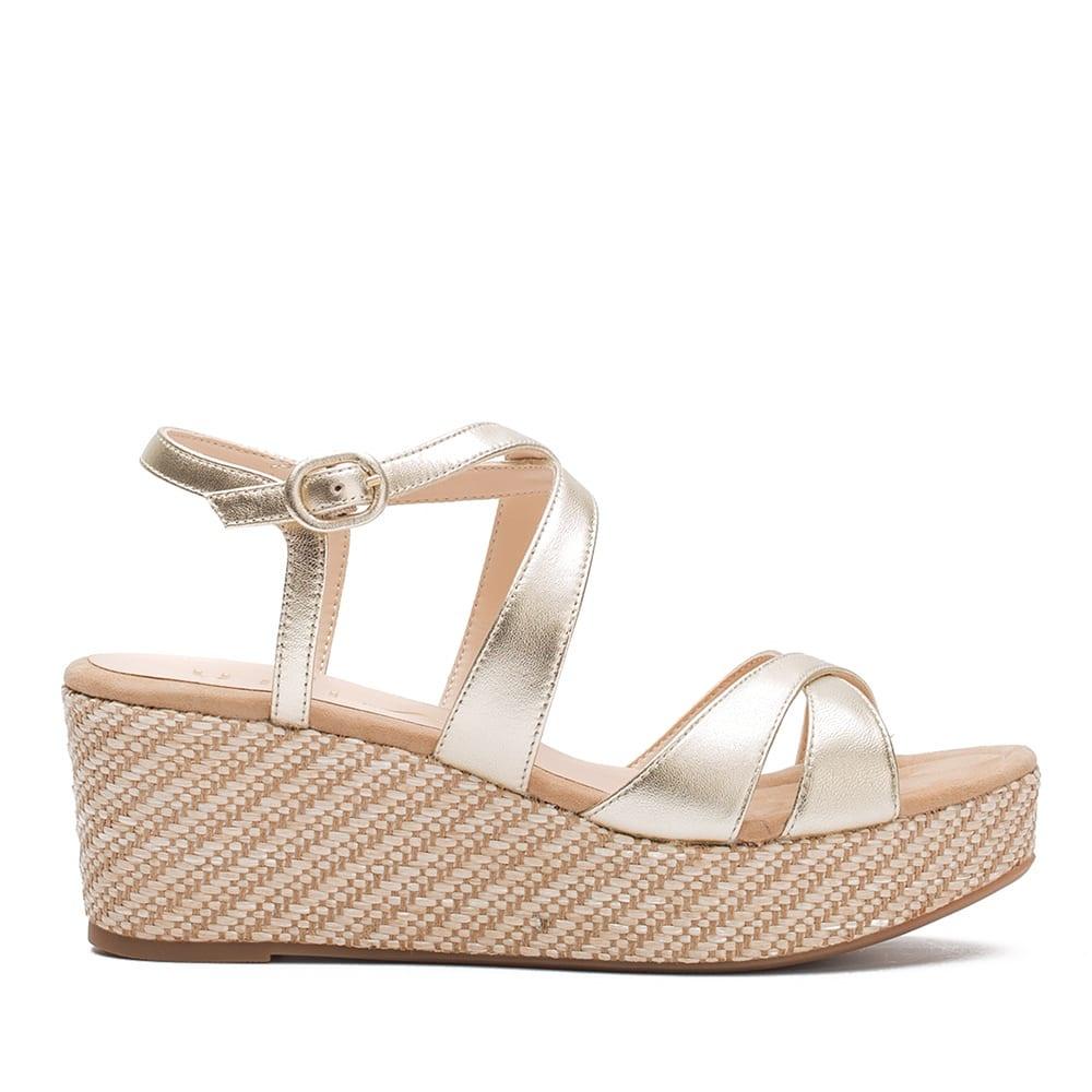 Double cross metallic sandal