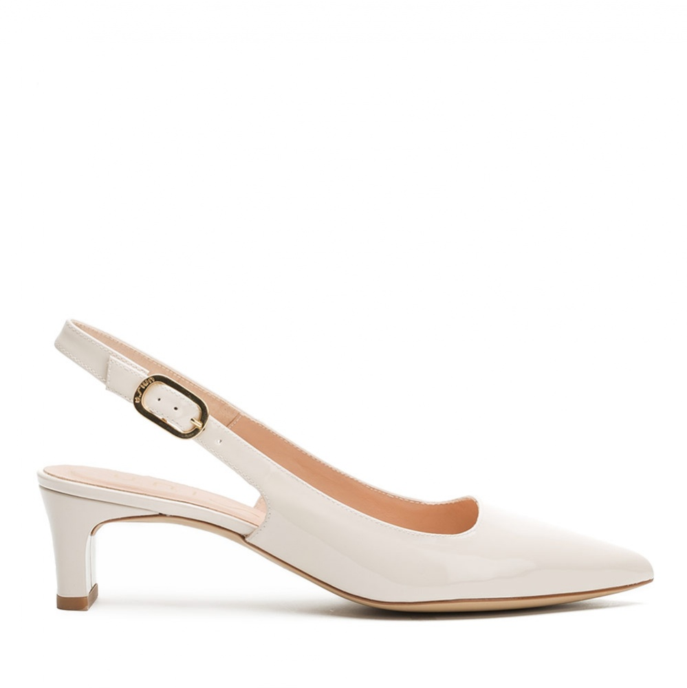 Slingbacks patent leather pointy toe